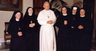 Le suore con Papa G. Paolo II